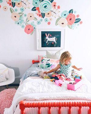 Décalcomanies murales moitié fleur graphique corail et turquoise d'Urban's Wall   – Caroline's bedroom
