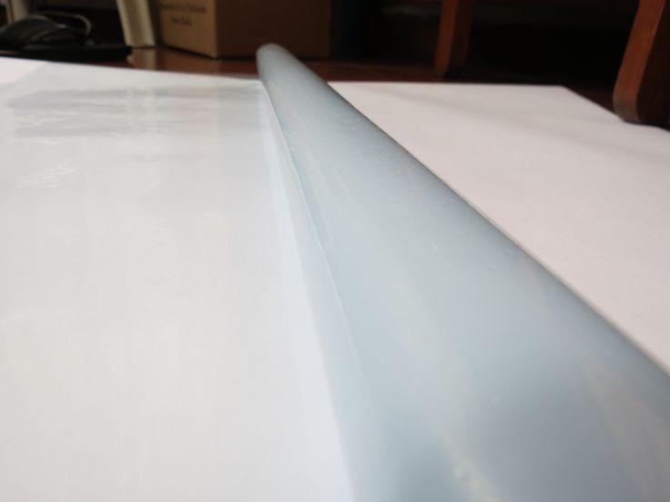 Plástico perforado antiadherente utilizado como regulador de la extracción de resina en el proceso de vacío. Para mayor información, visita: www.carbonlabstore.com