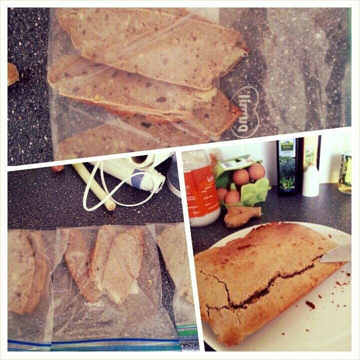Boekweit broodje met banaan    De D van Donderdag DRUK, wat kan ik ter vervanging van brood meenemen bij drukte? Iedereen is druk. Begrijp me niet verkeerd, ook ik ben druk Gezond eten in de vorm van salades is soms een uitdaging omdat ik veel aan het autorijden ben maar zeker niet onmogelijk! Iemand vroeg mij van de week wat …