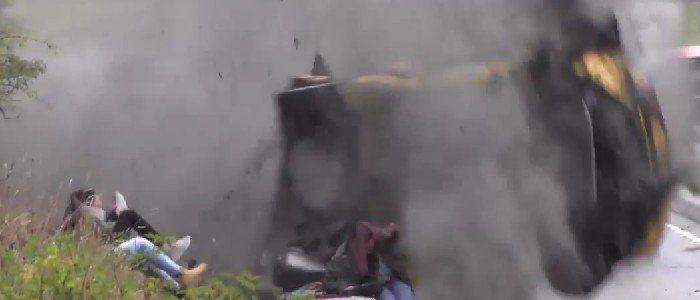 Terrorífico el accidente que sufre este coche de rally al lado de un grupo de espectadores - http://viral.red/terrorifico-el-accidente-que-sufre-este-coche-de-rally-al-lado-de-un-grupo-de-espectadores/