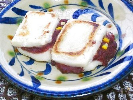 切り餅にサンドして簡単おやつ~!  あれば、塩ゆずを加えるとなお、美味しい