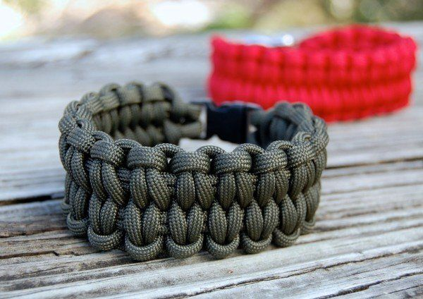 How To Make A Blaze Bar Paracord Bracelet- Step By Step instructions and how to