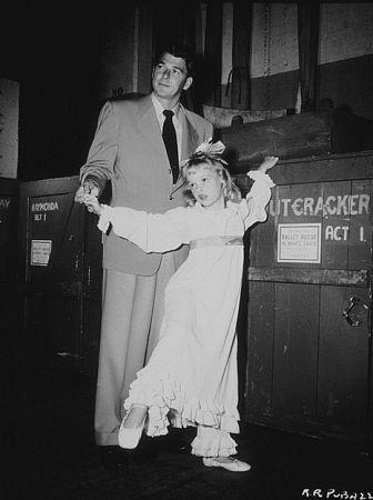 Ronald Reagan with daughter Maureen C. 1948.