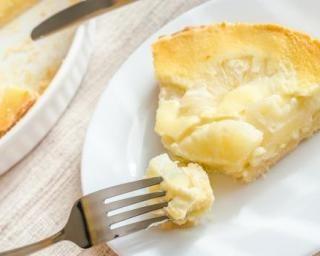 Flan léger à l'ananas et noix de coco : http://www.fourchette-et-bikini.fr/recettes/recettes-minceur/flan-leger-lananas-et-noix-de-coco.html