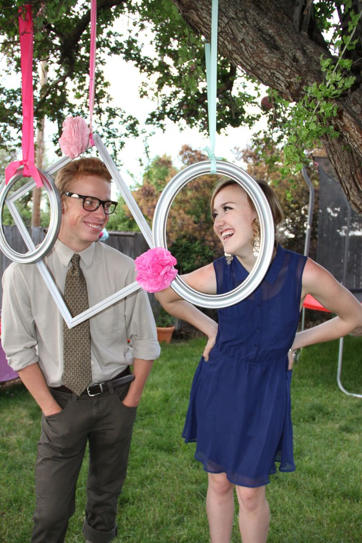 224 best pchs graduation party images on pinterest grad parties hanging frames for photo booth at grad party solutioingenieria Choice Image