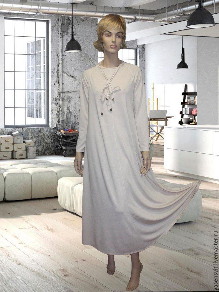 Купить Свободное макси платье с длинным рукавом. Трикотажное платье - бледно-розовый, однотонный
