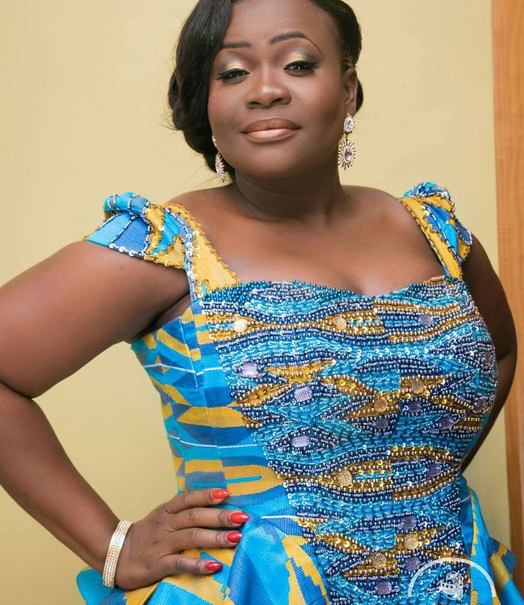 I Do Ghana The Details Of Her Pistis Ghana Gown Kente Fashion African Fashion