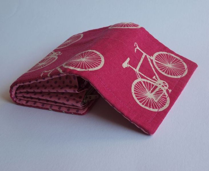 Peněženka - cca 13 x 10cm - 2 kapsy pod zipem - pevnější látka (směs bavlna + len)  *** Ušito dle návodu Bellet pro časopis Marina