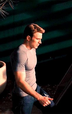 chris evans and his muscles (follow @jasminerlee)
