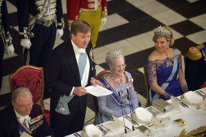 Koning prijst Denemarken; Máxima draagt jurk inhuldiging (fotoserie) - Koninklijk huis - Reformatorisch Dagblad