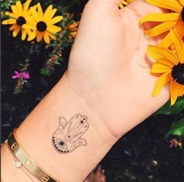 Small hamsa tattoo ink youqueen girly tattoos hamsa for Small eye tattoo