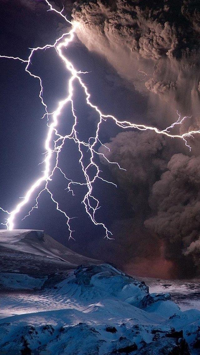 220 best wallpaper images on pinterest lightning storms - Lighting strike wallpaper ...