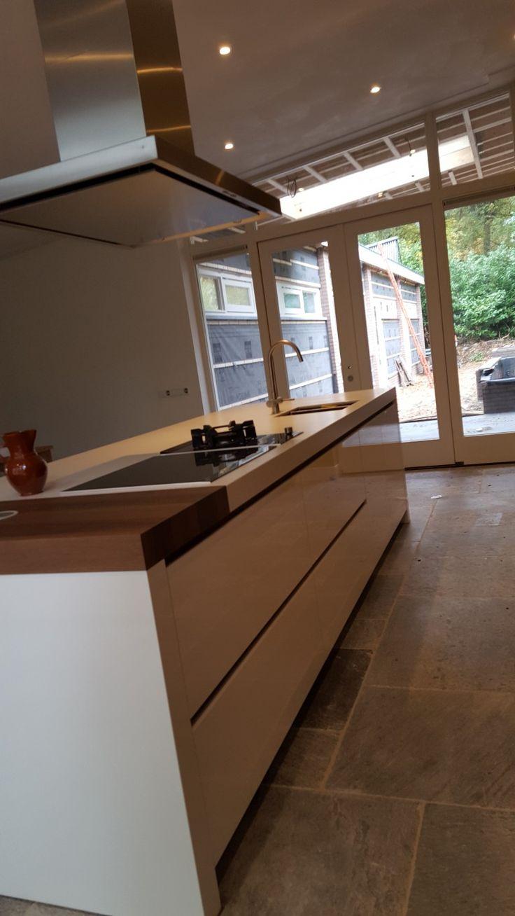 17 beste idee n over keuken lades op pinterest keuken opslag keuken idee n en lades - Grote keuken met kookeiland ...