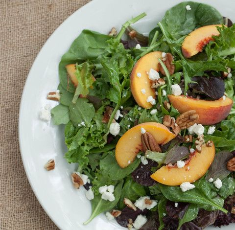 summer peach #salad with strawberry pepper jelly #vinaigrette #recipe