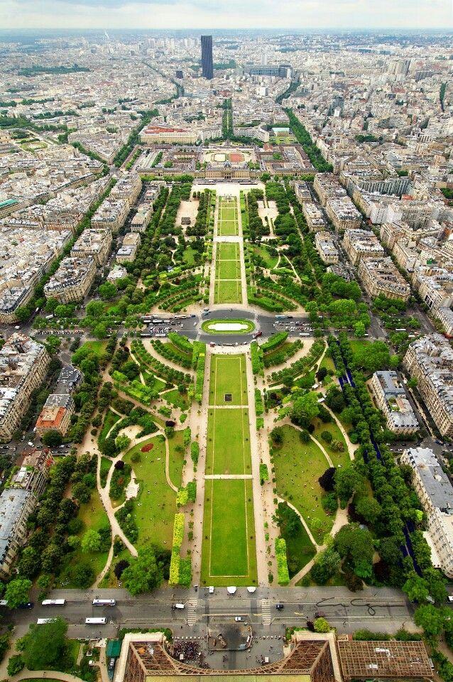 Parc du Champ de Mars en Paris, Île-de-France