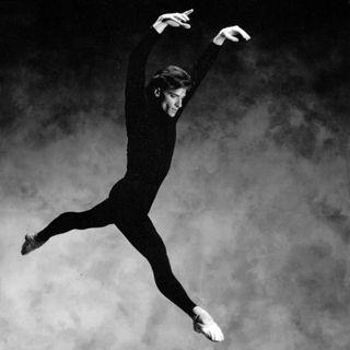 1990 RWB Soloist Mark Godden is appointed RWB's Resident Choreographer.