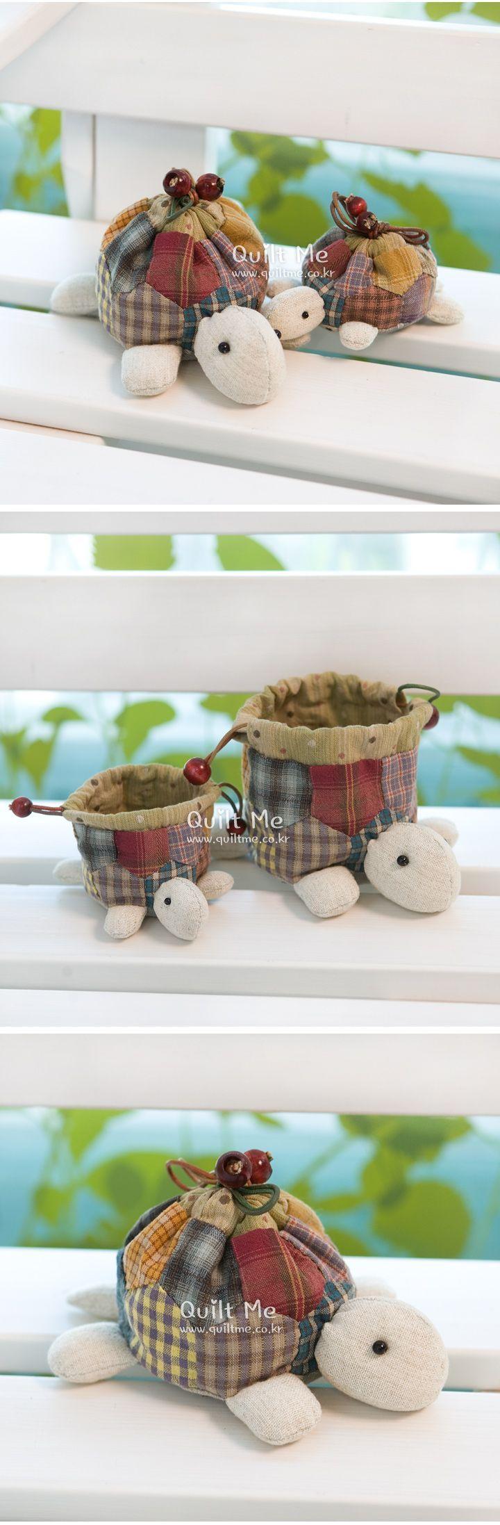 Turtle bag, this is so sweet! Link leads to site with characters, kind of shop I think. Schildpadzakje, heel schattig. Link leidt naar soort shop vlgs mij, kan het niet lezen.: