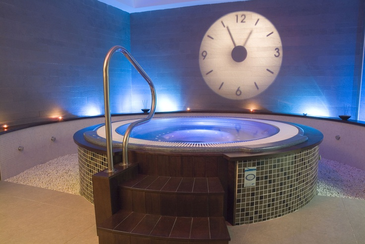 23 best images about spas acryliques clair azur on. Black Bedroom Furniture Sets. Home Design Ideas