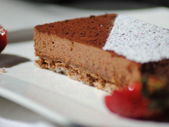 Découvrez la recette Royal au chocolat croustillant sur cuisineactuelle.fr.
