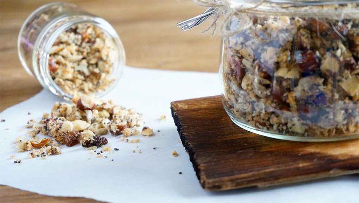 ✚Müsli auf Paleo Art✚ Ohne Zucker und Getreide. Nüsse, Samen, Kerne und Kokosflocken bilden die Basis für das gesündeste Müsli aller Zeiten!