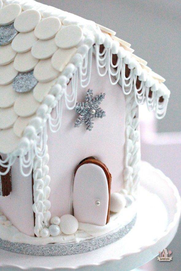 Oh this is just so pretty! Links to the Gingerbread & Royal Icing Recipes, along with Templates & tutorials included too.