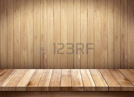 keuken muur: Lege houten tafel op een houten achtergrond