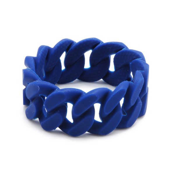 The new Stanton Bracelet from chewbeads is so fashionable plus your teething baby can chew on it safely. As Moms we don't have to sacrifice fashion. At least not now that we have chewbeads.
