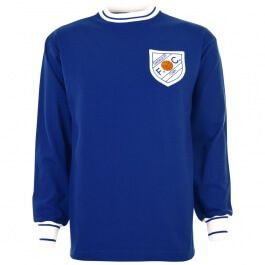 Shrewsbury Town 1965-1968 Retro Football Shirt Shrewsbury Town 1965- 1968. The badge used in this design was only around for 1 decade, the 60s. This was replaced by a more traditional badge that incorporated the arms of the town within an enclosin http://www.MightGet.com/may-2017-1/shrewsbury-town-1965-1968-retro-football-shirt.asp