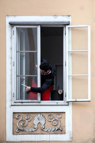 """21. Mai 2015: """"Fensterputzer"""" Mehr Bilder auf: http://www.nachrichten.at/nachrichten/fotogalerien/weihbolds_fotoblog/ (Bild: Weihbold)"""