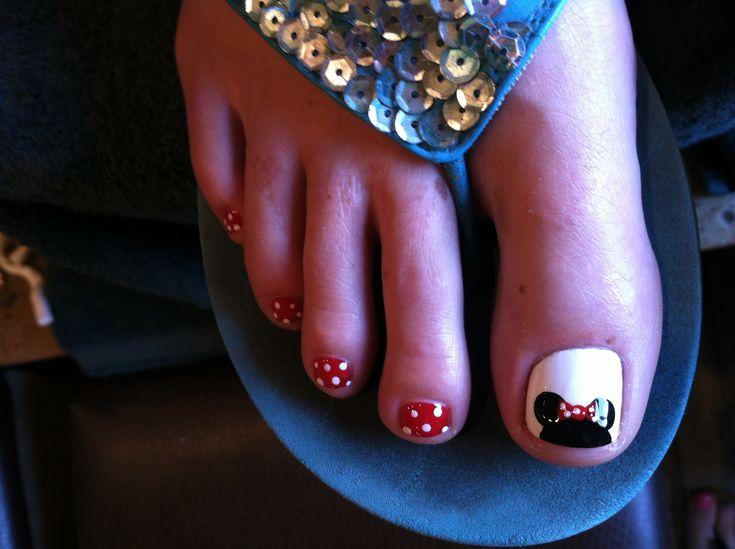 Minnie Mouse Disney nail art, polka dots and bows :)