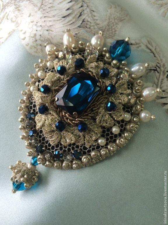 Купить брошьБР2004 - синий, брошь ручной работы, Вышивка бисером, вышитая брошь, Кристаллы swarovski