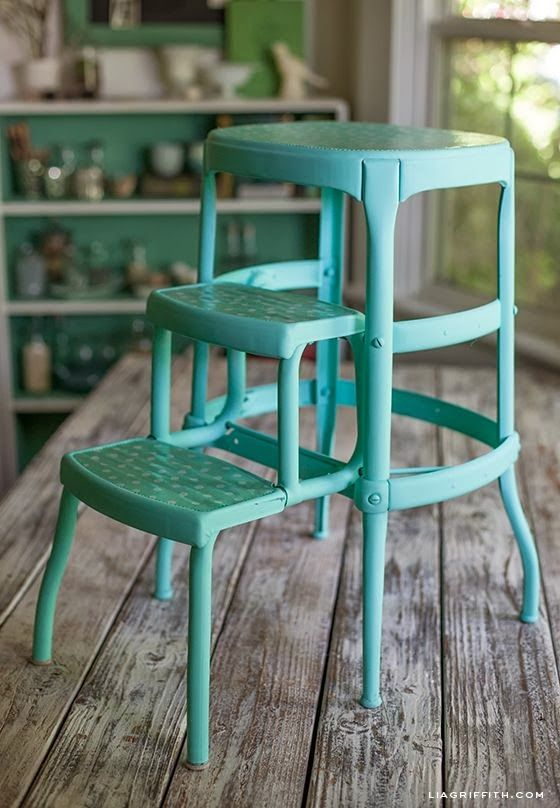 Vintage metal step-stool spray painted in aqua. I'll take two, please. Love this,