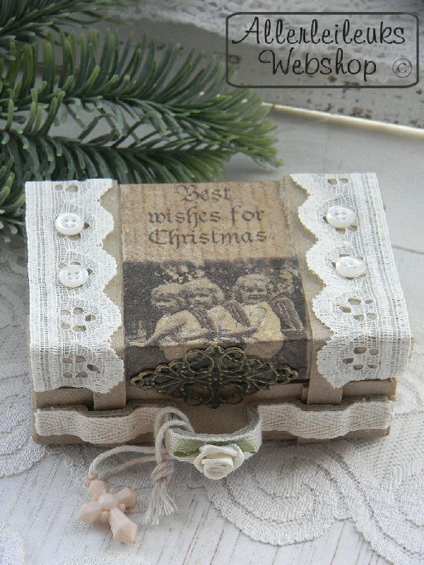 Klein vintage kerst koffertje. Leuk om zelf te maken. Kijk eens in mijn webshop voor alle materialen en een werkbeschrijving.