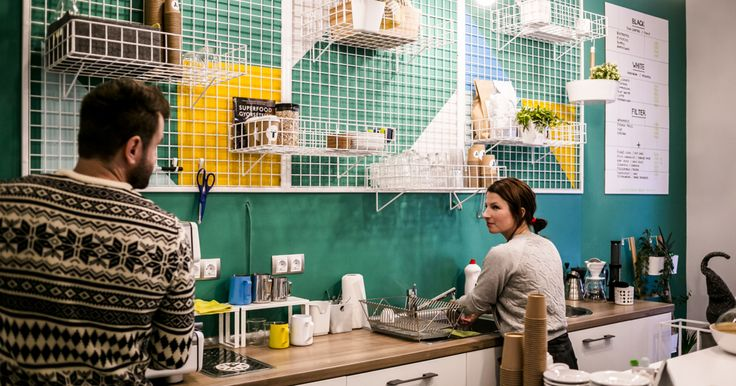A small but all the more colorful café, Tényleg, recently kicked off in District IX, around halfway between the Grand Boulevard and Butter Brothers. On the one hand, it...