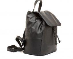 Moderný-kožený-ruksak-z-pravej-hovädzej-kože-č.8659-v-čiernej-farbe-1