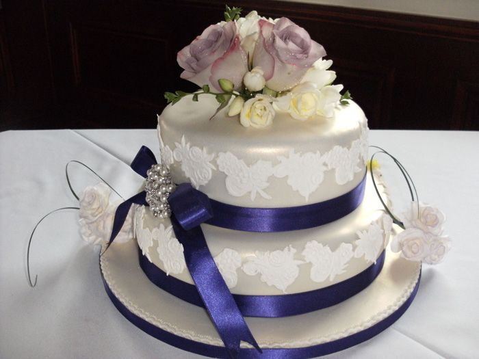 Victorian Lace Traditional Wedding Cake