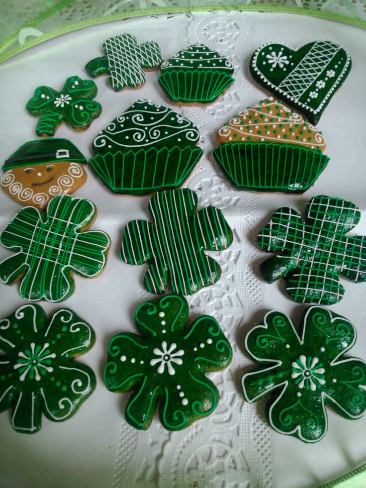 St. Patrick's Day Honiees #cookies