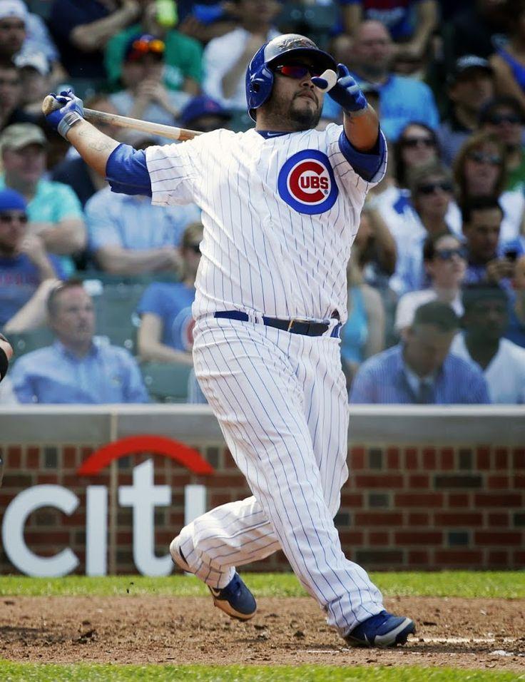 Chicago Cubs - Dioner Navarro