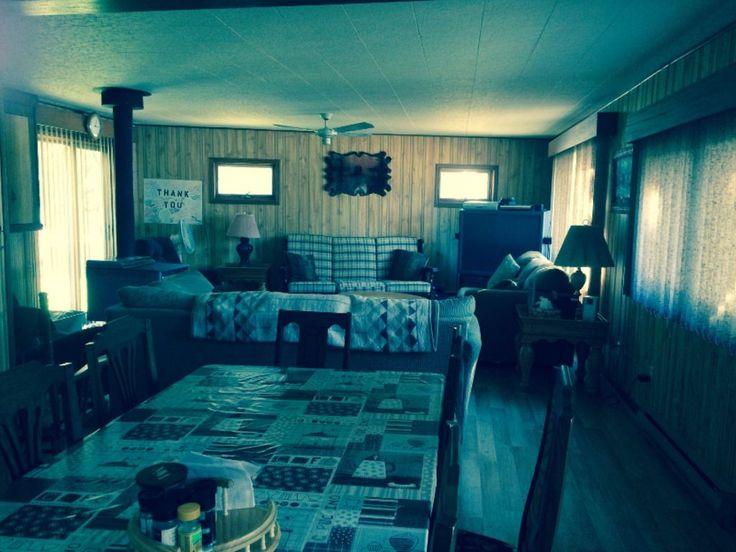 Bracebridge cottage rental - dining and living room
