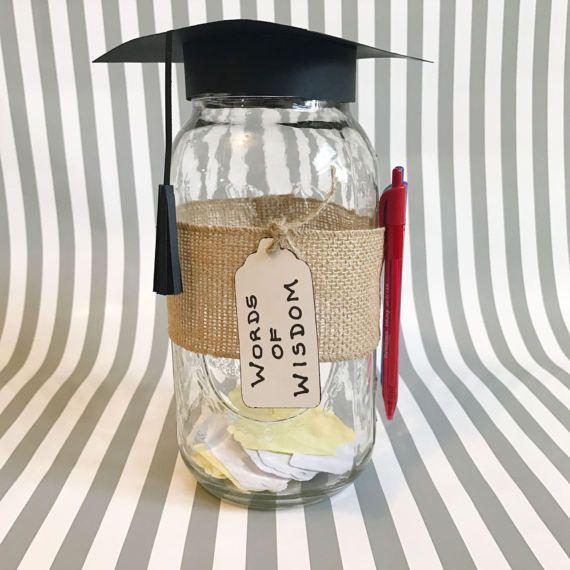 Memory Jar - Gästebuch - Worte der Weisheit - Abschlussfeier Ideen - Abschlussdekorationen - Abschlusskappe - Graduation Centerpiece Ideas