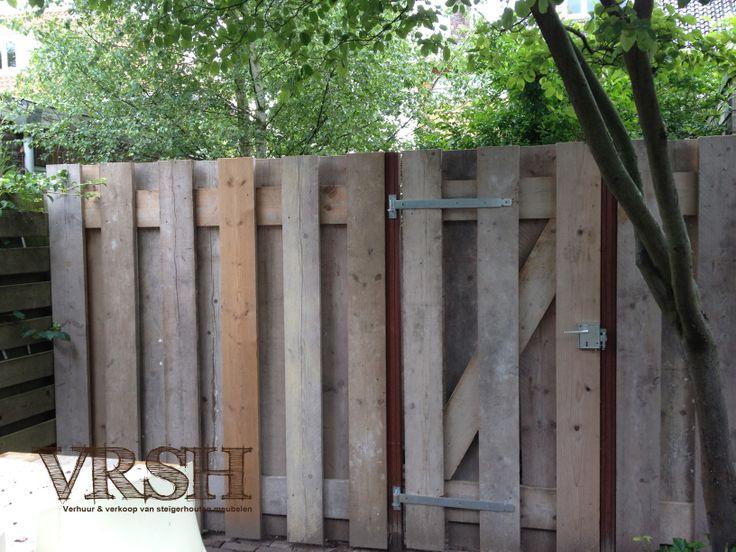 Eettafel, loungebank, stoelen,  plantenbakken.. Je hele tuin voorzien van alles maar nog toch nog geen steigerhout in de tuin? Zelfs je schutting kan gemaakt worden van dit prachtige stukje hout
