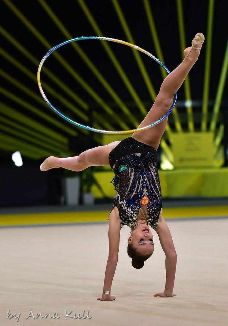 Yulia Bravikova (Russia) won silver in hoop finals at Grand Prix (Thiais) 2017