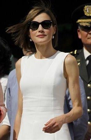La Reina Doña Letizia, estupenda con sus Carolina Herrera. Te ofrecemos toda la nueva colección, desde 111€.            Gafas Carolina Herrera mod: SHE602 0700 precio 111€