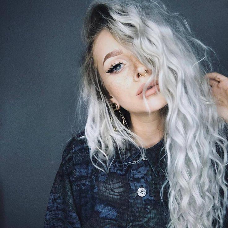Gray hair-color Trend: Fab Gray Hair Ideas!