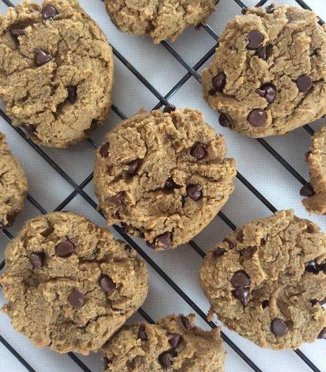 Biscuits aux pois chiches, beurre d'arachide et brisures de chocolat