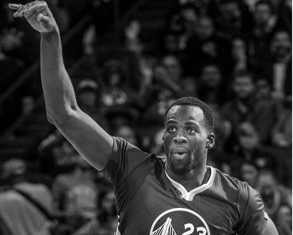 Golden State Warriors Trades Draymond Green For Steph Curry's Max Contract - http://www.morningledger.com/golden-state-warriors-trades-draymond-green/13130060/