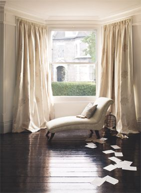 i would love a bay window and this chaise lounge in front