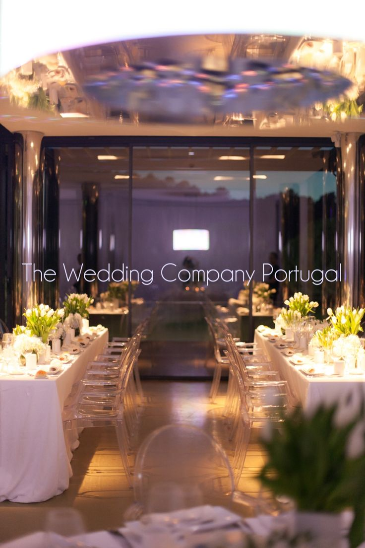 Modern White by The Wedding Company - Portugal.  Photo by Catarina Zimbarra Photography.