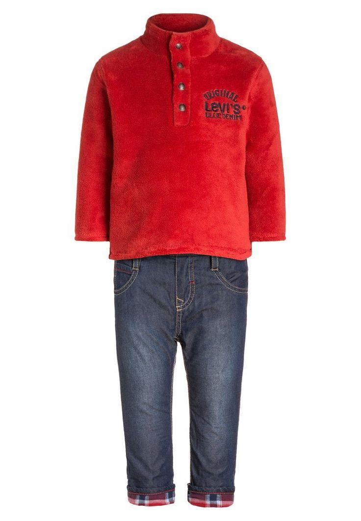 Levis® SET Fleece trui red, 55.95, http://kledingwinkel.nl/shop/kinderen/levis-set-fleece-trui-red/ Meer info via http://kledingwinkel.nl/shop/kinderen/levis-set-fleece-trui-red/