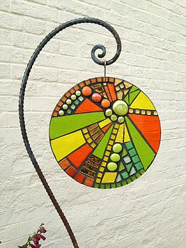 primrose mosaics dot com A gallery of handcrafted glass art mosaic sculptures and ornaments for the garden or public space. Available to order, or create your own unique commission.
